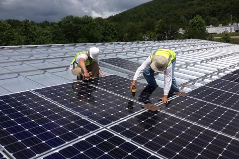 CS-Installers-on-Roof475x317
